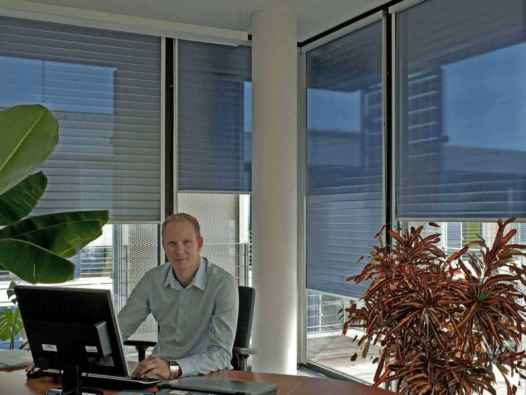 Blendschutzrollo für Bildschirmarbeitsplätze